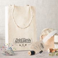 Rachel Moon Alterations branding